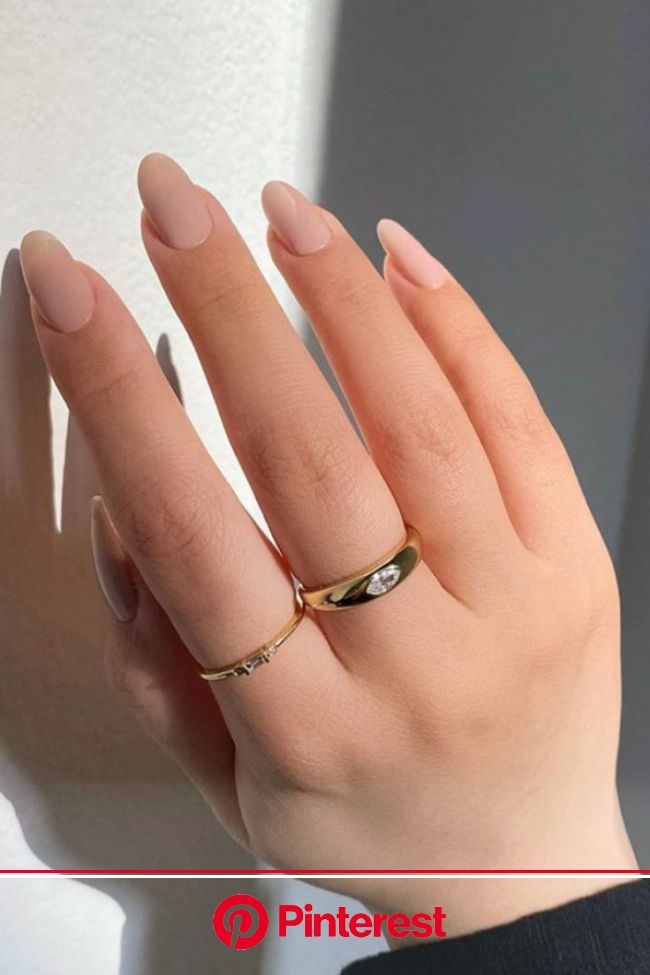 Chong Dome Signet Ring in 14K Gold in 2021 | Minimalist nails, Simple nails, Pretty acrylic nails