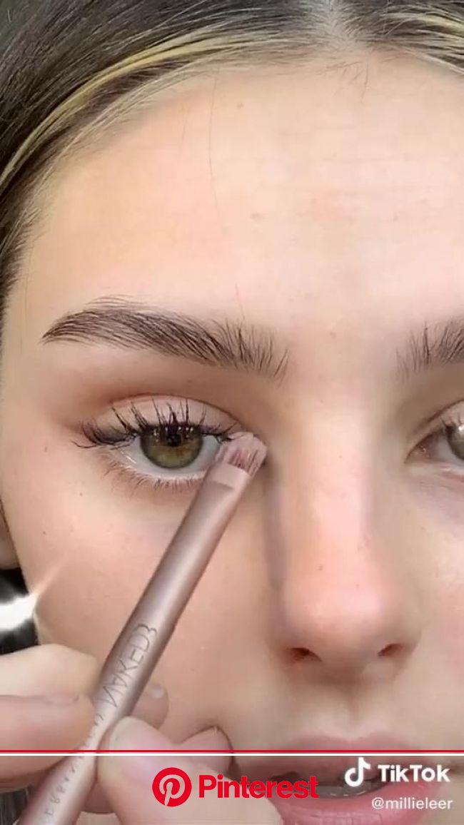 Simple makeup tutorial [Video] | Maquillaje de ojos artistico, Tutorial de maquillaje natural, Tipo de ojos maquillaje