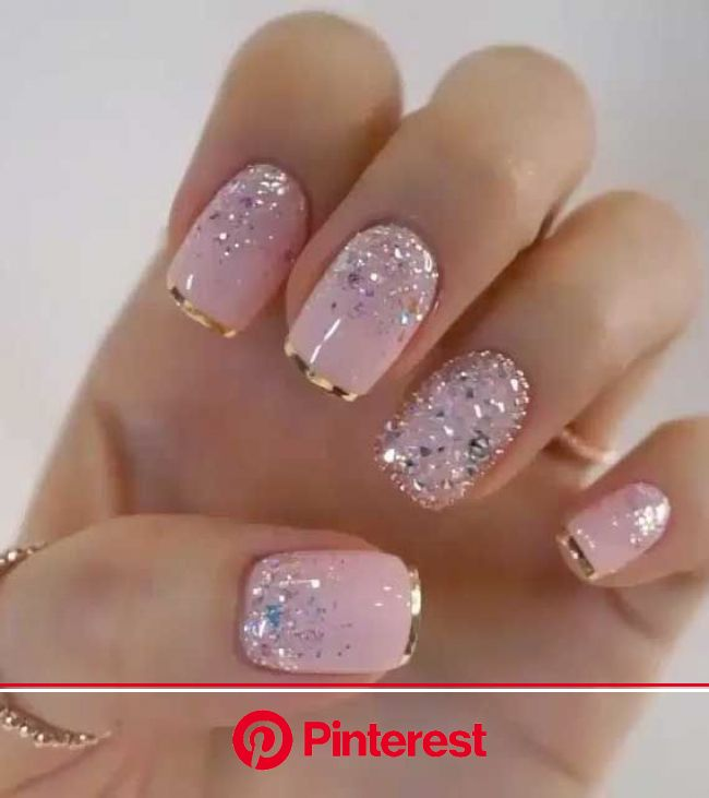 39 Ways to wear glitter nails for an Elegant Touch in 2020 | Gold glitter nails, Nail designs glitter, Glitter tip nails