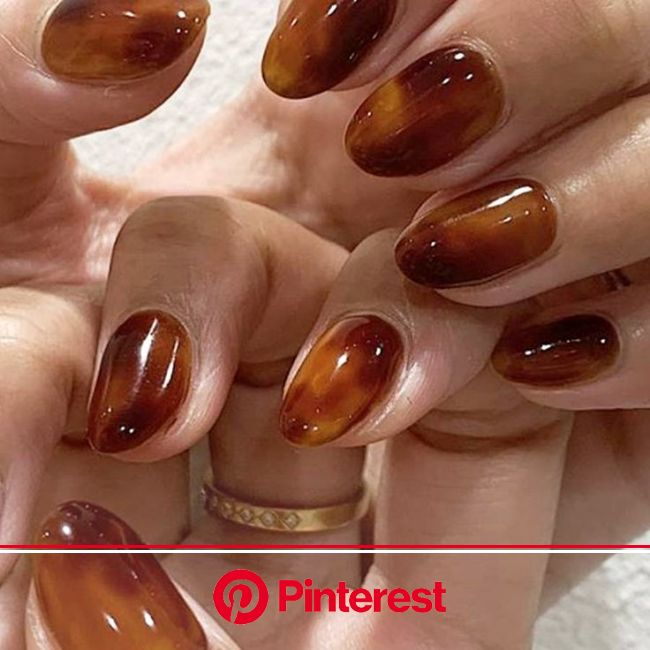 Tortoiseshell Nails Are Fall's Coolest New Trend   Minimalist nails, Pretty acrylic nails, Pink nails