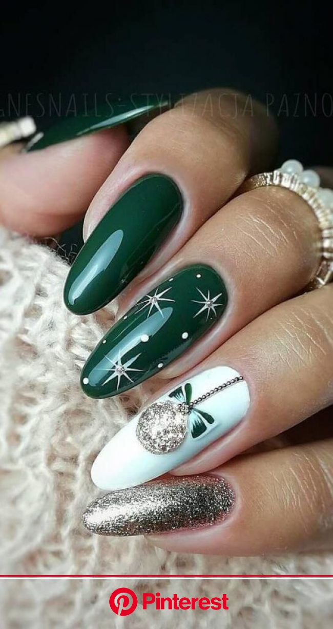 Holiday Acrylic Nails: Inspiration To Style Your Nails This Christmas in 2020 | Xmas nails, Christmas nail designs, Christmas nails acrylic