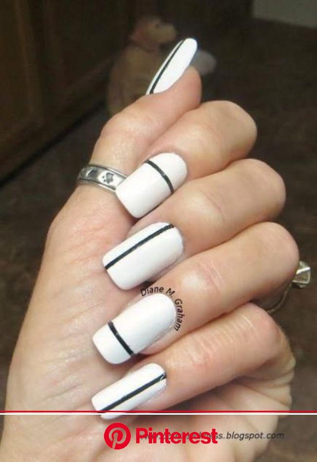 Black And White Nail Designs We Love   Manicura de uñas, Uñas con rayas, Uñas blancas