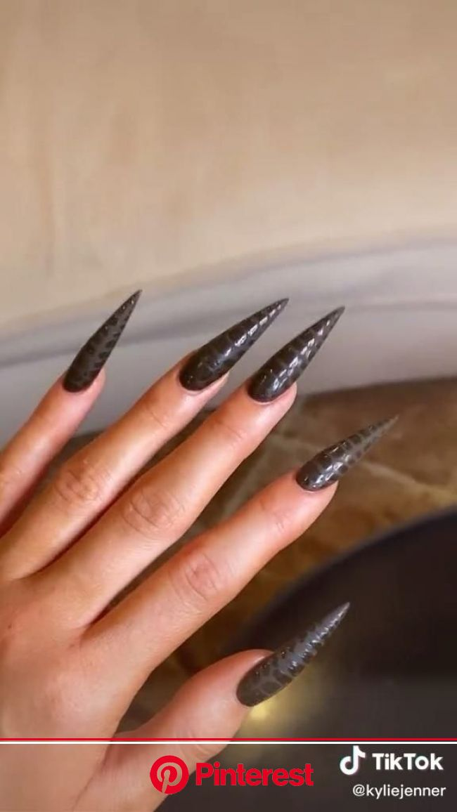 Kylie Jenner: My New NAILS ???????????????? Click on pic to get yours❣️ [Video] in 2021 | Gel nails, Acrylic nails, Kardashian nails