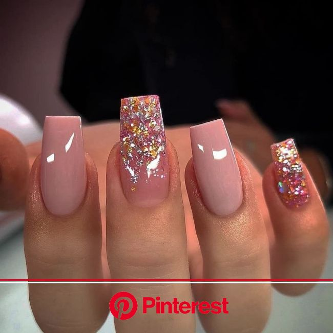 Oscars Red Carpet 2020 Celebrity Gowns & Beauty Looks | Mammypi.com in 2020 | Tapered square nails, Coffin nails designs, Nail designs glitter