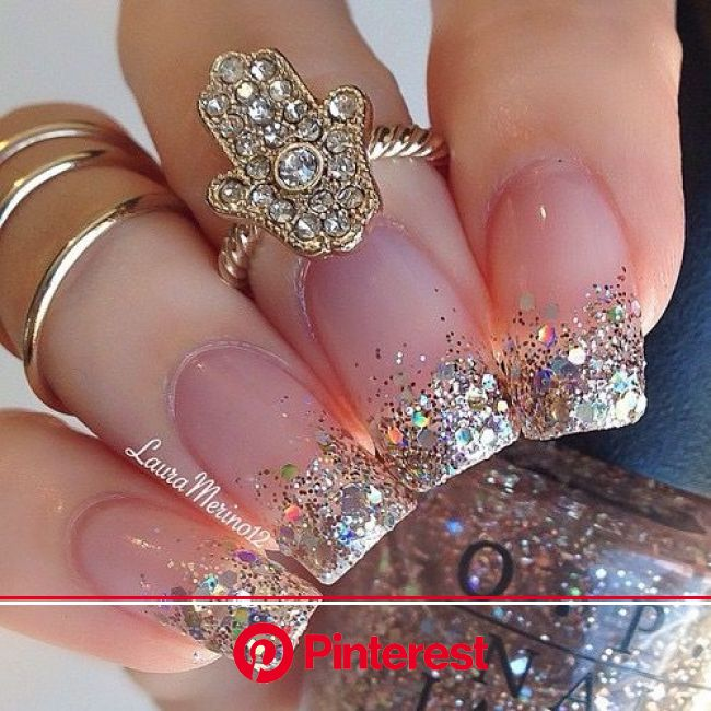 Gold jewellery & matching gold glitter nails   Nail designs glitter, Wedding nail art design, Nail art wedding