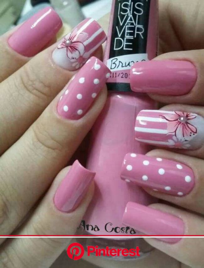 Decorating nails is an incredible art! But have you ever wondered how such a small canvas can look so creati… | Manicura de uñas, Manicura, Uñas senci