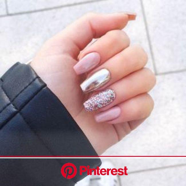 10 diseños de uñas discretas y elegantes para la oficina - Mujer de 10: Guía real para la mujer actual. Entérate ya. | Diseño de uñas con brillos, Uña