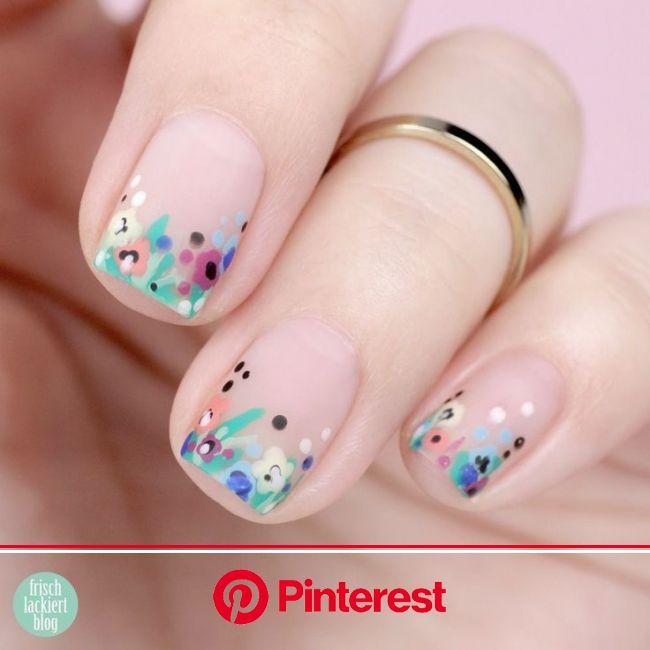 {Frischlackiert-Challenge} BLUMIG – Blüten auf den Nägeln - #– #{Frischlackiert-Chal... - {Frischlac in 2021 | Short nails, Floral nails, Fashion nail
