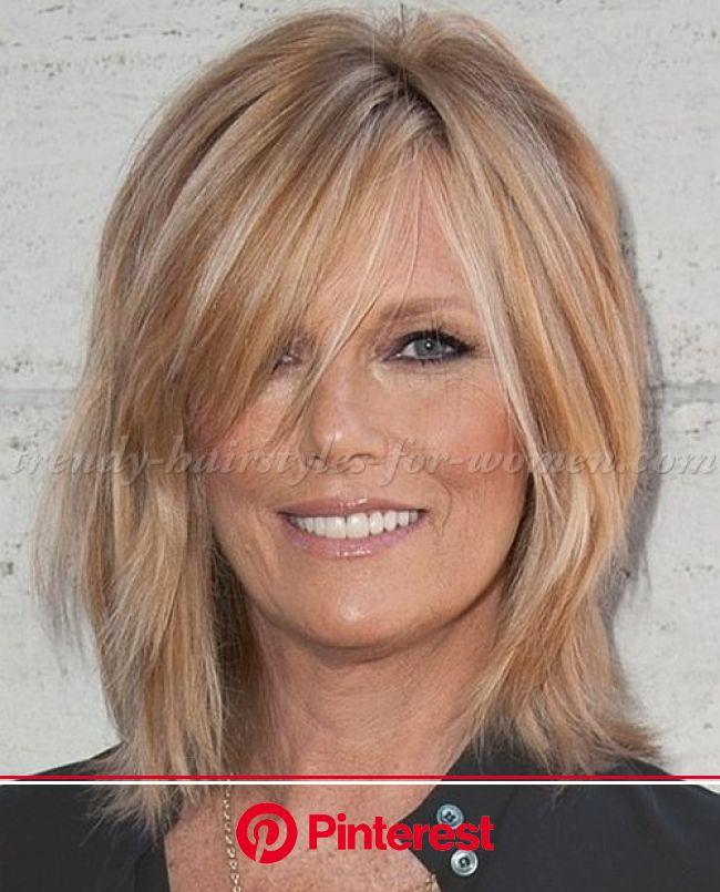 Lisa Farrell | Medium hair styles for women, Medium hair styles, Medium length hair styles