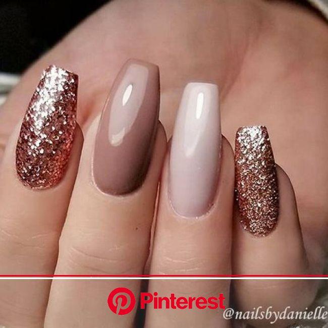 22 Nails That Feature Glitter Because Why Not   Nageldesign, Nagellack, Glitzernägel