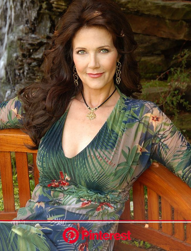 ????Wonder Woman????Wonder Woman????all the world's waiting for you....I had a wonderful childhood....and I'm showing my age????!! | Linda carter, Lyn