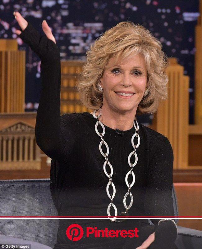 Jane Fonda, 77, looks years younger as she chats with Jimmy Fallon | Jane fonda hairstyles, Medium hair styles, Hair styles